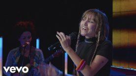 Grace VanderWaal – Ur So Beautiful (Live Performance)