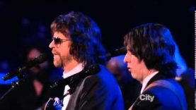 Jeff Lynne, Dhani Harrison and Joe Walsh – Something