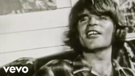 Creedence Clearwater Revival – Lookin' Out My Back Door