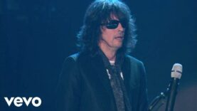 Foreigner – Hot Blooded (Live)