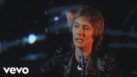 Smokie – Lay Back in the Arms of Someone (Official Video)